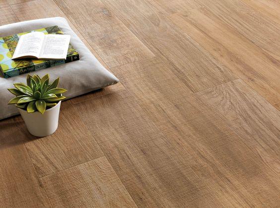 Sol pvc en rouleau ou clipsable dalle et lame bienchezmoi for Carrelage exterieur imitation bois longue lame