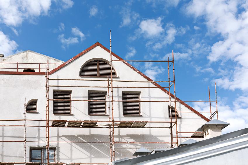 combien coute une facade de maison perfect porte d entree pour combien coute une maison en bois. Black Bedroom Furniture Sets. Home Design Ideas