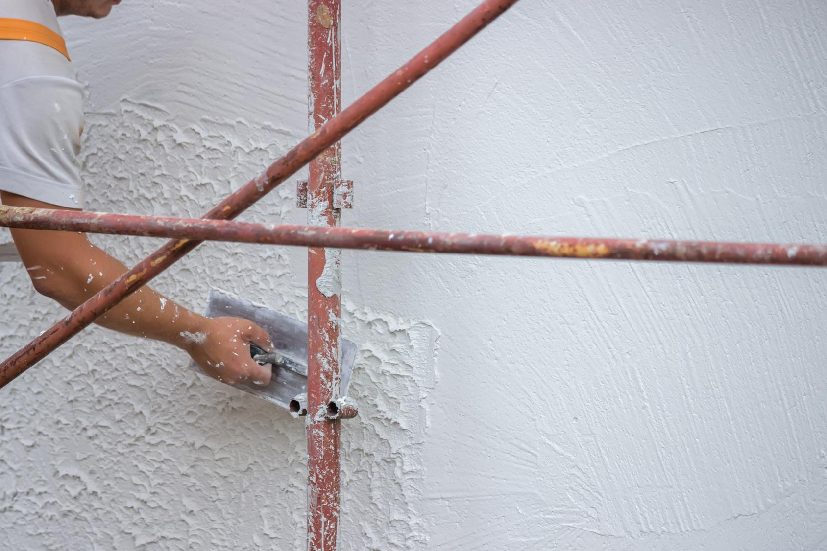 Bien peindre ses volets en bois bienchezmoi for Quelle peinture pour bois